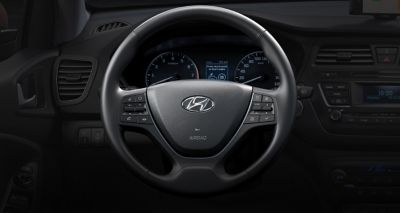 The sporty steering wheel of the new Hyundai i20.