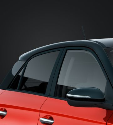 The two-tone roof on the new Hyundai i20.