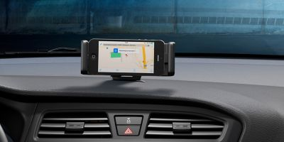 Close up view of the smartphone docking station in the Hyundai i20 Coupe.