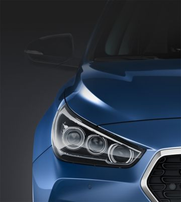 Picture of the advanced LED headlamps on the new Hyundai i30.
