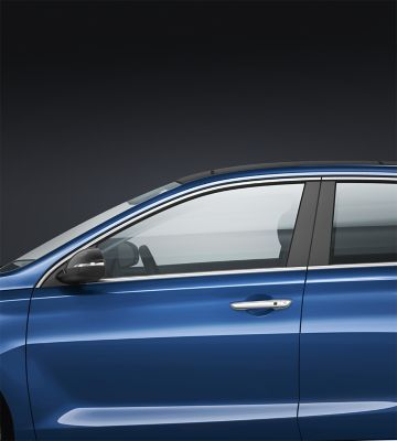 Close up view of the profile of the new Hyundai i30.
