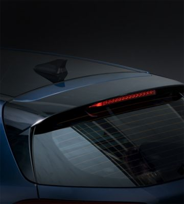 Close up picture of the high gloss black rear spoiler on the new Hyundai i30.