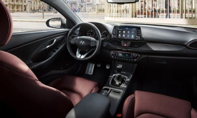 A photo showing the sporty interior of the new Hyundai i30 Fastback.