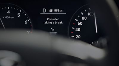 Ilustración gráfica del sistema de atención al conductor del Hyundai i30.