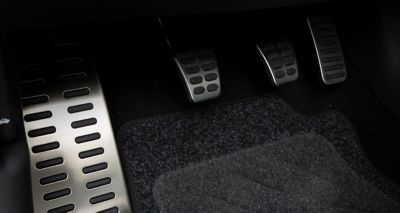 Picture of the sporty metal pedals inside the Hyundai i30 N Line 5-door.