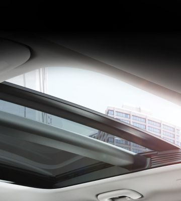 The panoramic glass sunroof on the new Hyundai i30 Wagon.