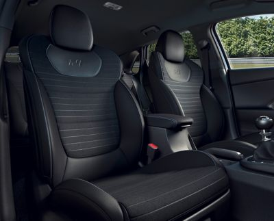 Close up view of high-performance N sport seats in the Hyundai i30 N.