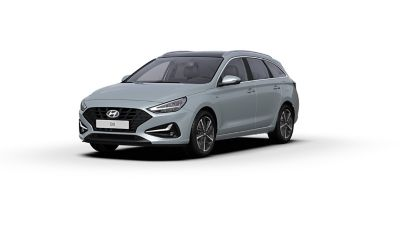 Vista frontal y lateral del nuevo Hyundai i30 en color Platinum Silver Grey.