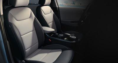 Sièges à bord de la nouvelle Hyundai IONIQ hybrid.