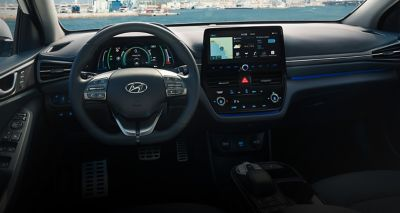IONIQ Electric støtter Apple CarPlay og Android Auto, og har trådløs mobillading.