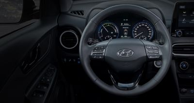Close up image of the heated steering wheel in the Hyundai KONA Hybrid.