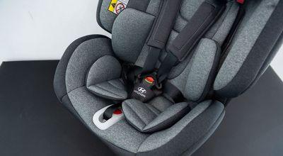 Detail bezpečnostních pásů autosedačky One360