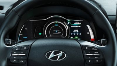 Digitalt kombiinstrument i Hyundai Kona Electric. Foto.