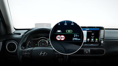 Illustration of the Intelligent Speed Limit Warning functionality of the all-new Hyundai Kona Electric.
