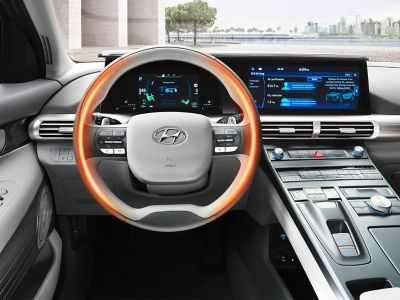 Photo illustrating the all-new Hyundai Nexo's heated steering wheel.