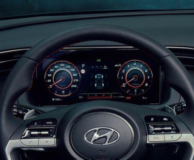 Vue des compteurs numériques de Hyundai TUCSON Hybrid N Line Nouvelle Génération en mode Sport.