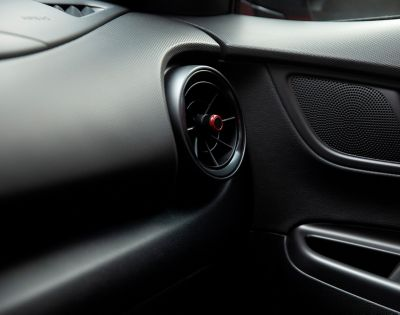 Air vents and speaker of the all-new Hyundai Kona N Line.
