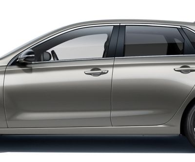 The new Hyundai i30 sideview, highlighting the strong character line.