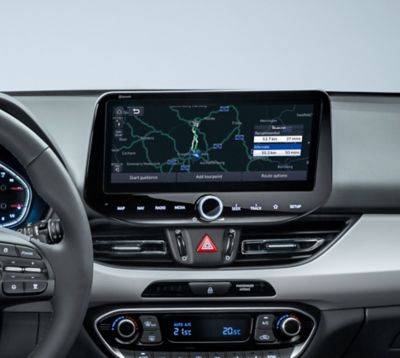 The dashboard in the new Hyundai i30 with its navigation system.