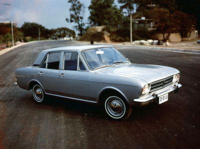 Samochód Cortina