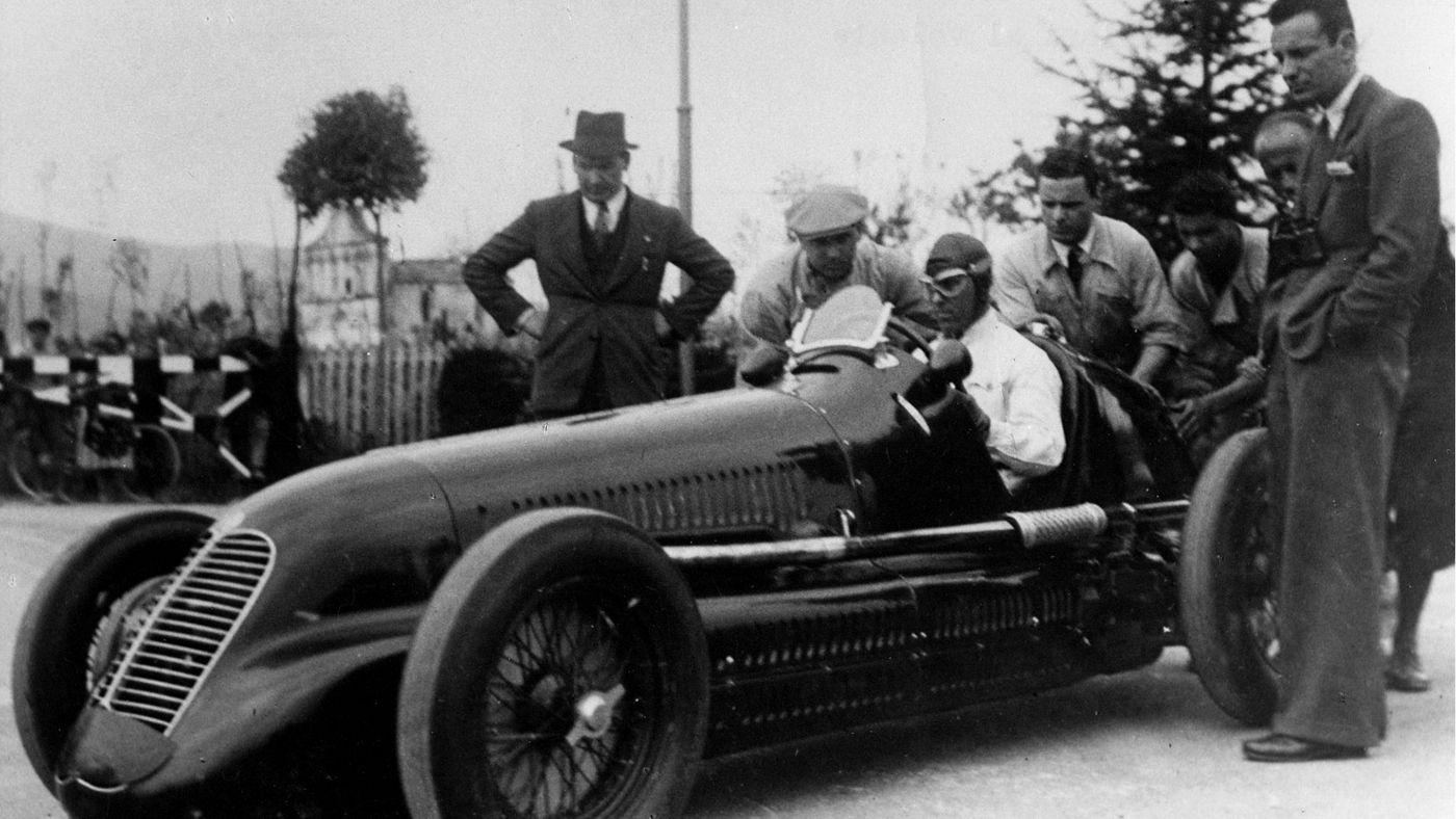 Geschichte von Maserati: Aufnahme eines historischen Rennwagens