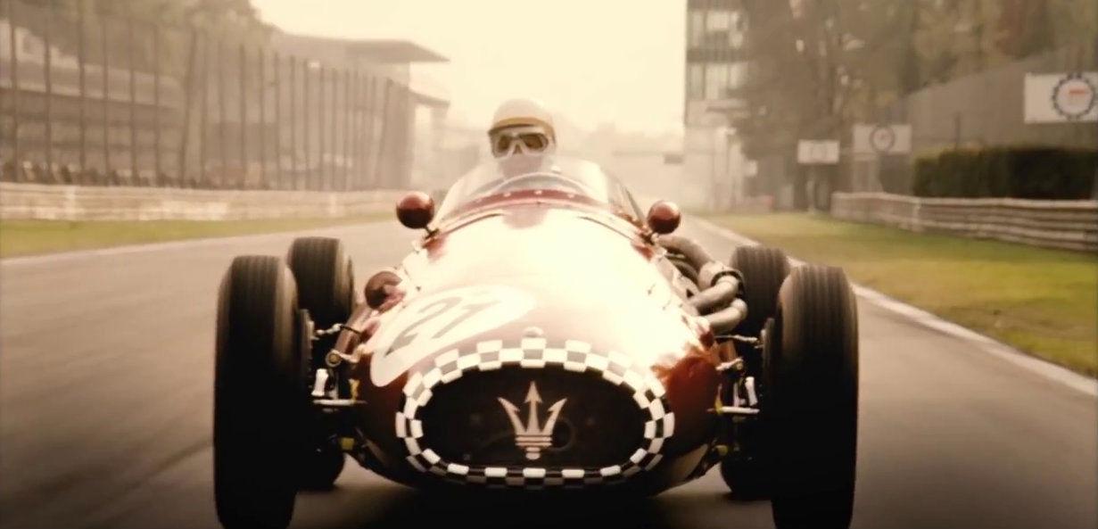 Rennfahrerin Maria Teresa de Filippis im Maserati
