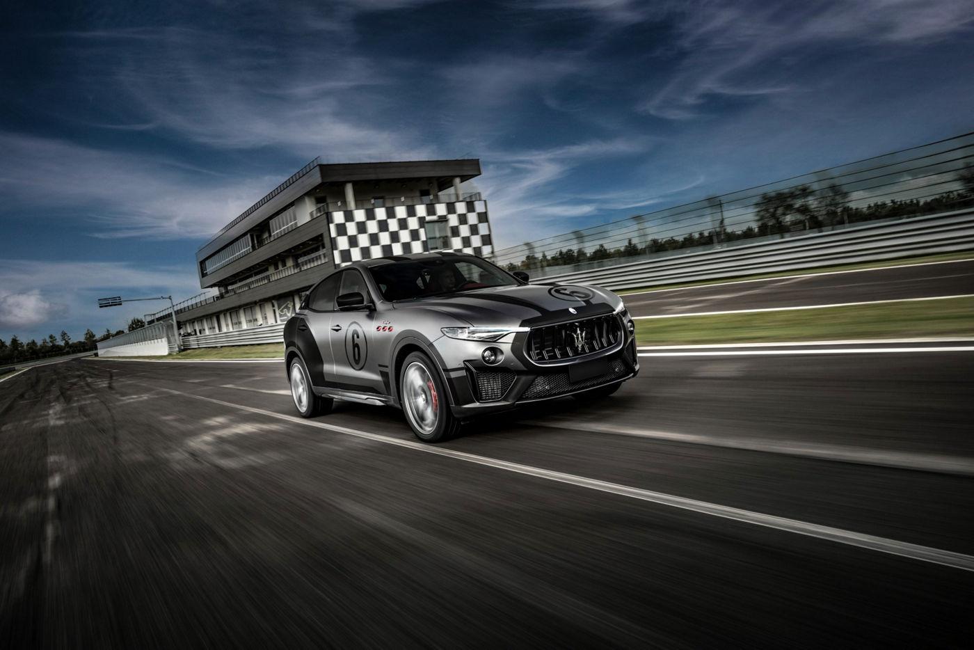 Maserati Levante Trofeo auf der Rennstrecke - Maserati Fahrtraining