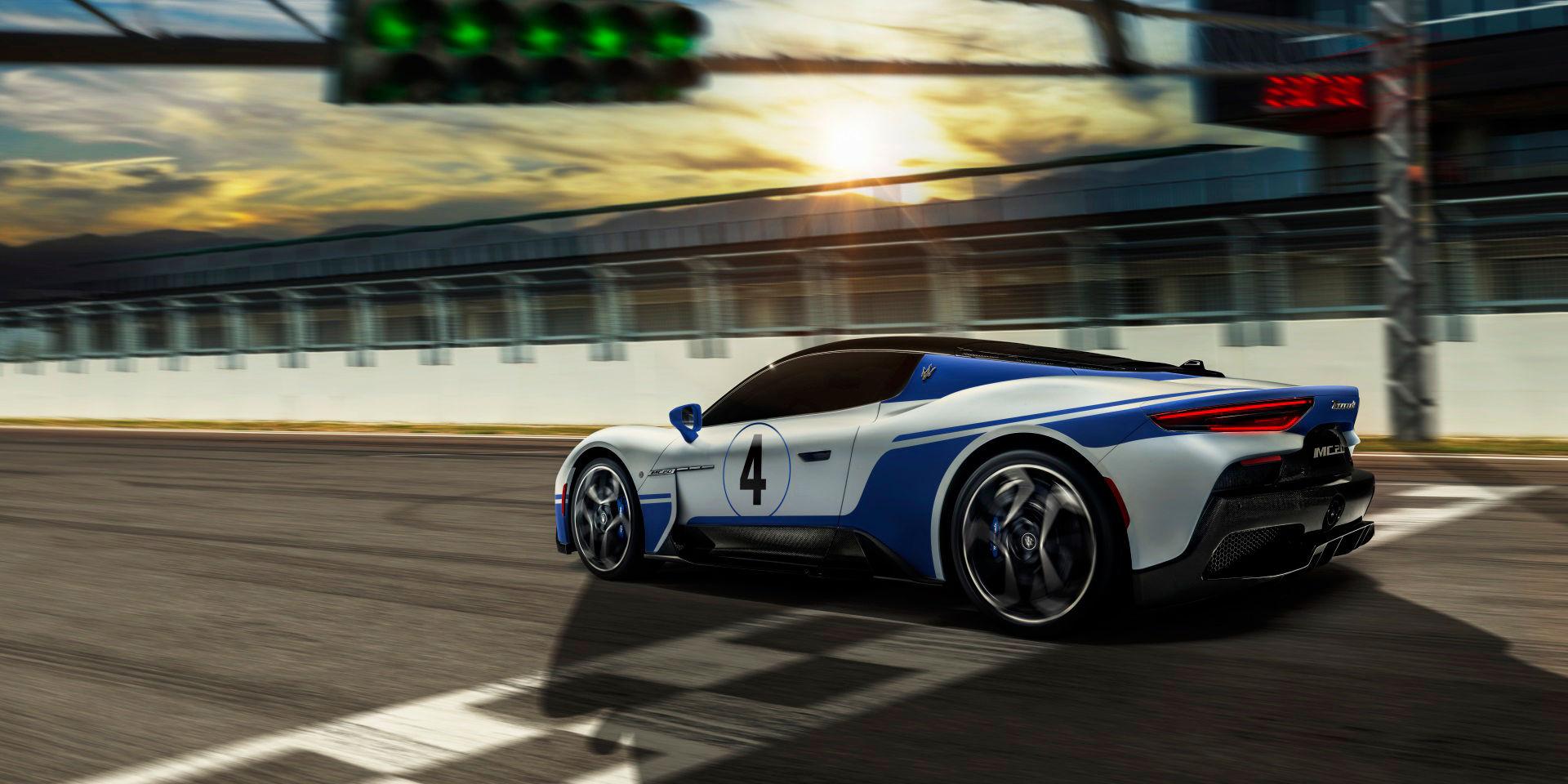 Maserati MC20 auf der Rennstrecke - Seitenansicht - Master Maserati Fahrtraining