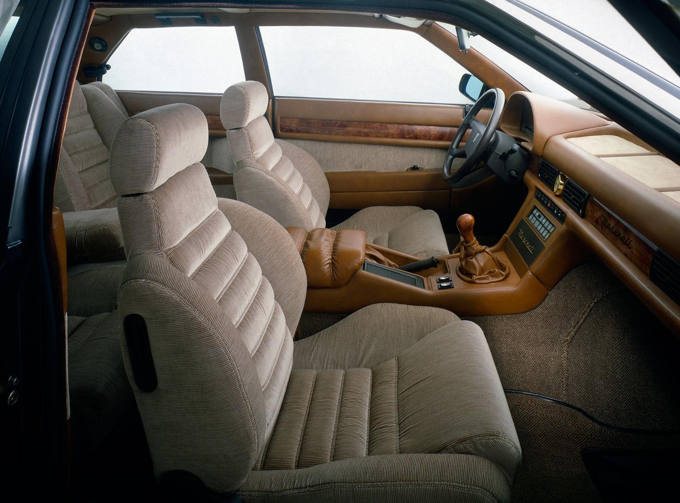 1989 Maserati 222 - Biturbo - the classic 2-door interior view