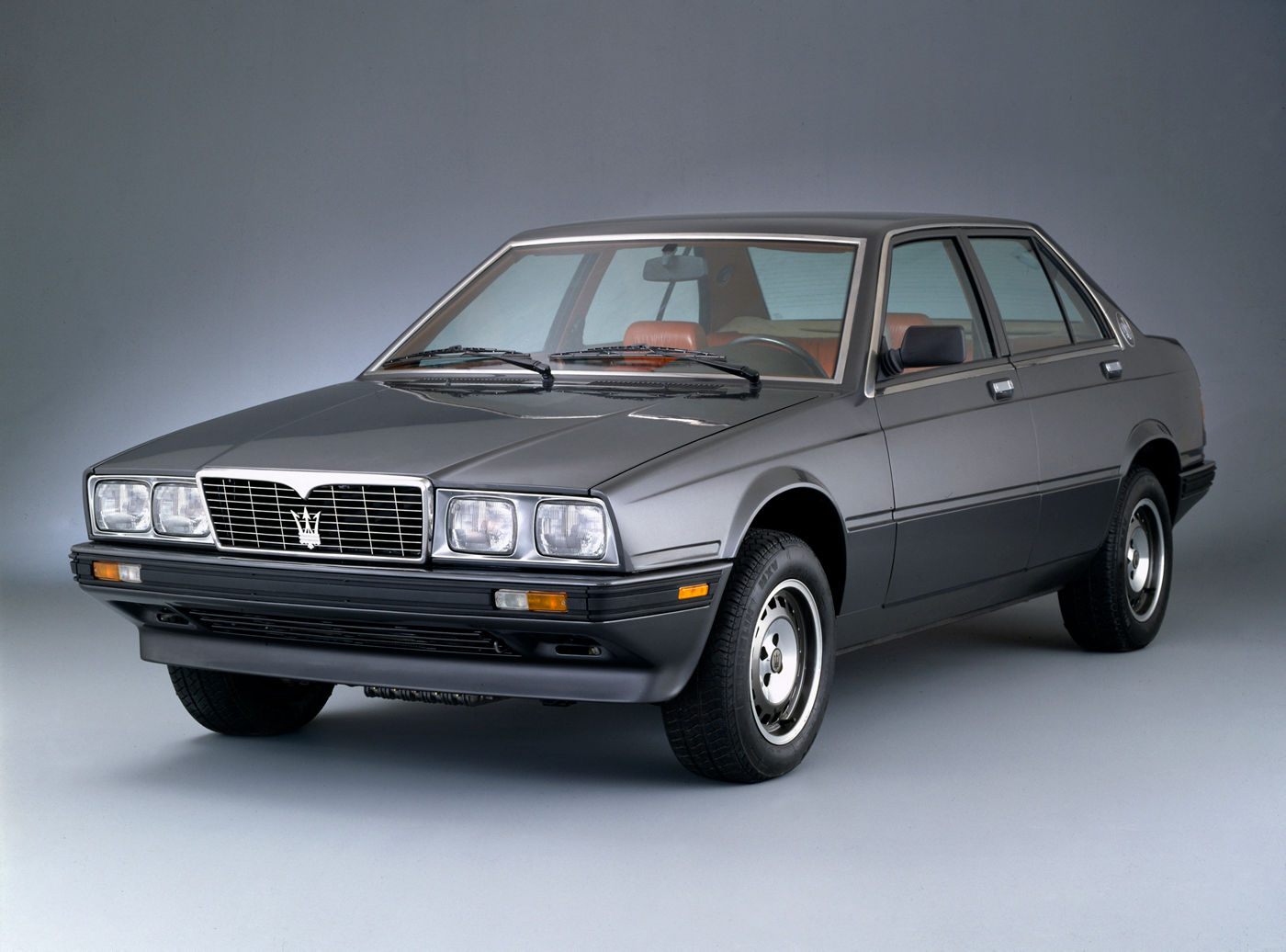 1985 Maserati 420 - exterior view of the classic model in gray