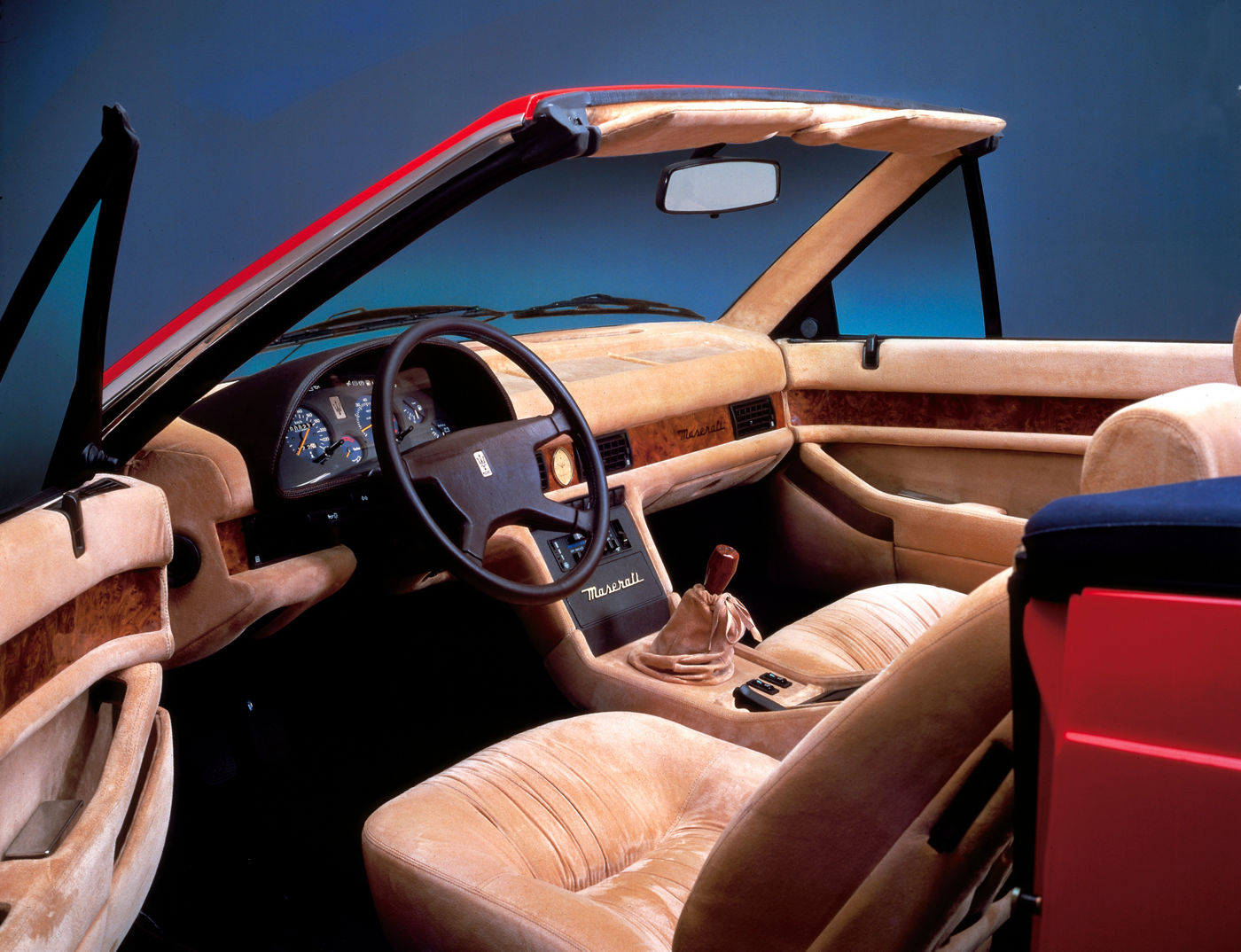 1989 Maserati Biturbo Spyder - interior view of the classic cabriolet model in red