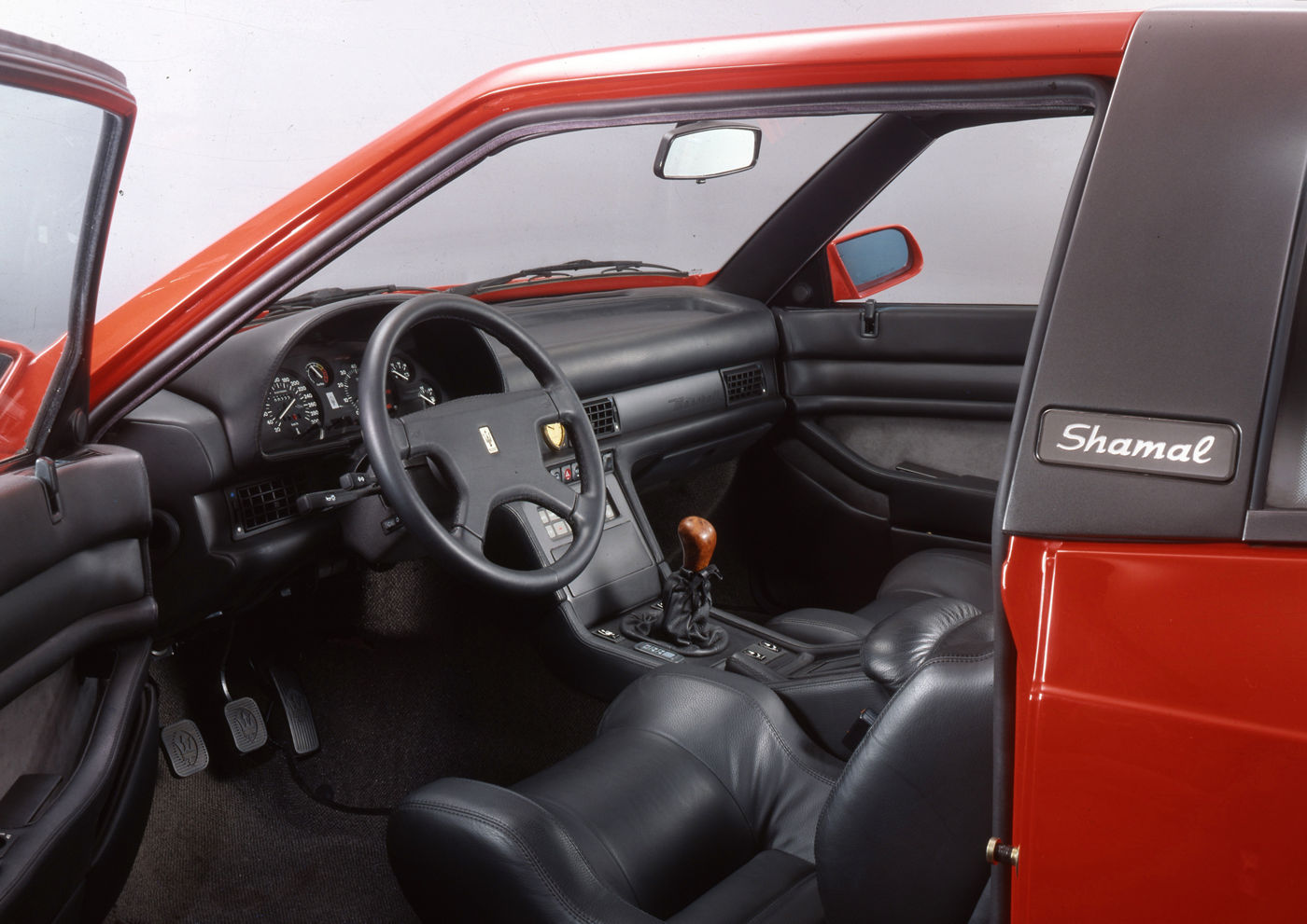 1990 Maserati Shamal - Biturbo - interior view of the classic car model