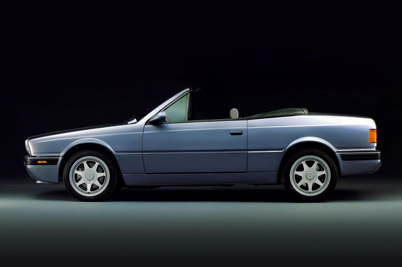 Maserati Classic - Biturbo Spyder Cabriolet - carrosserie grise - vue profil