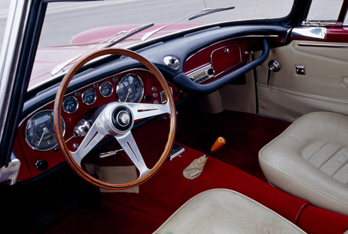 1957 Maserati 3500GT - interior of the classic car model in red