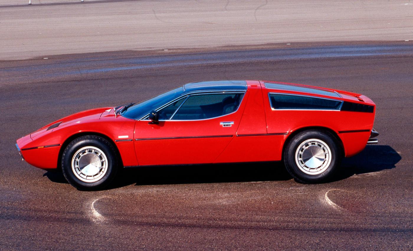 Maserati Classic - GranTurismo Bora - carrosserie rouge - vue profil