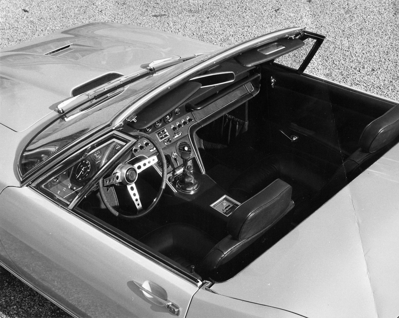 1967 Maserati Ghibli Spyder - the classic two-seater interior