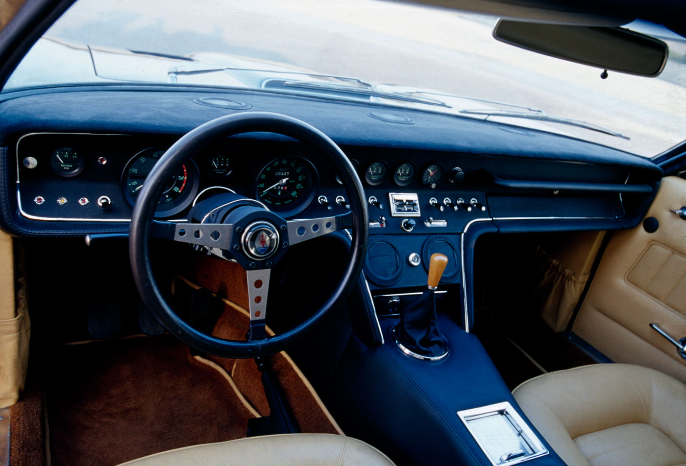 1966 Maserati Ghibli - interior view of the classic 2-door coupe