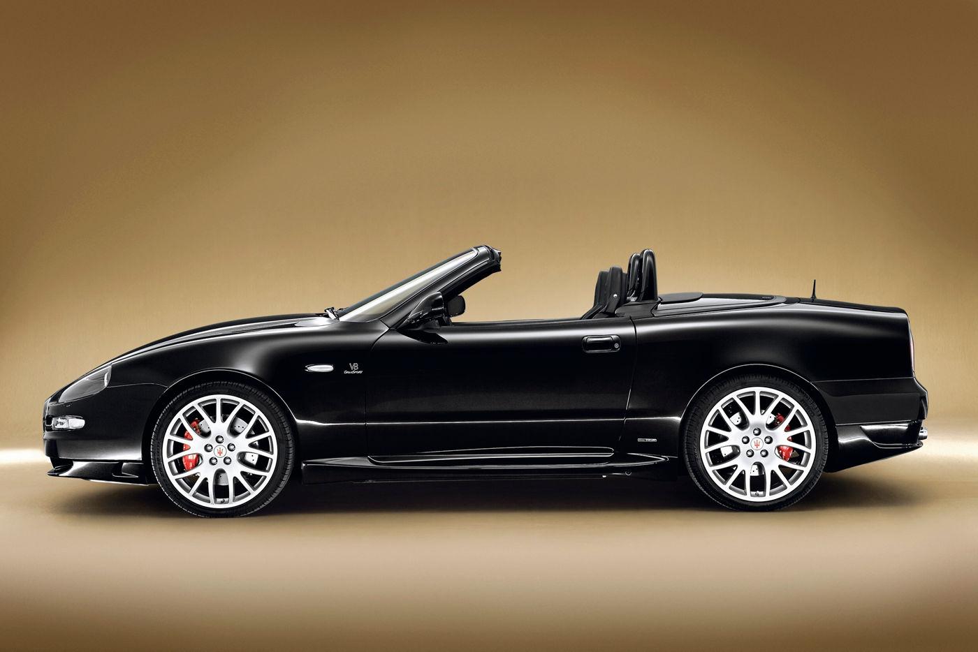 Maserati Classic - GranTurismo Spyder 3500GTI -carrosserie noire - vue latérale