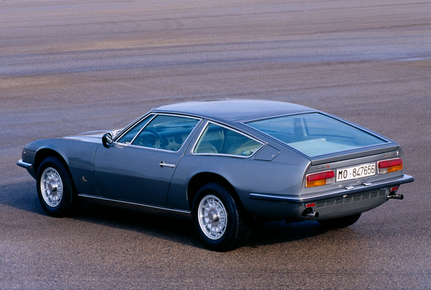 Maserati Classic - GranTurismo Indy - carrosserie grise - vue latérale postérieure