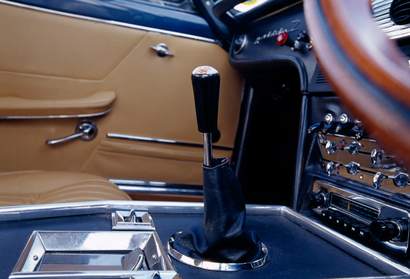 1964 Maserati Sebring - Second Series - interior view of the classic car model