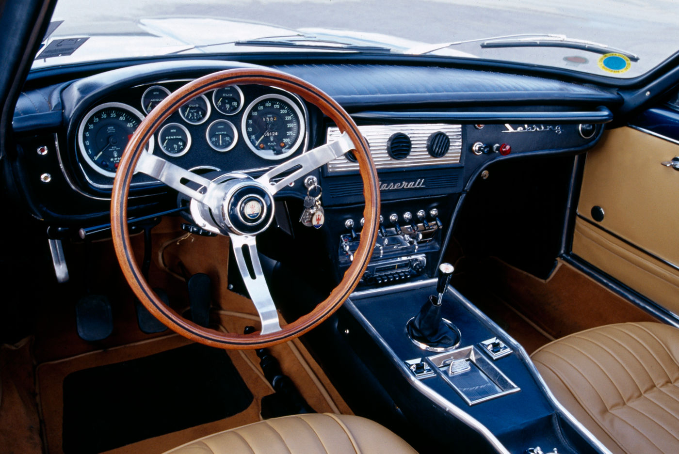1962 Maserati Sebring - First Series - interior view of the classic car model