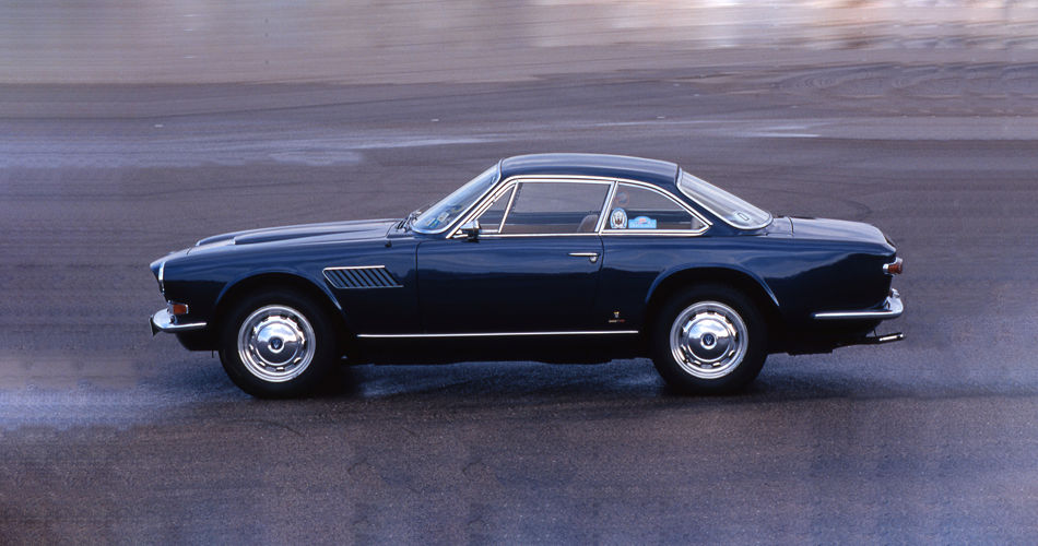 1964 Maserati Sebring - Second Series - side view of the classic car model