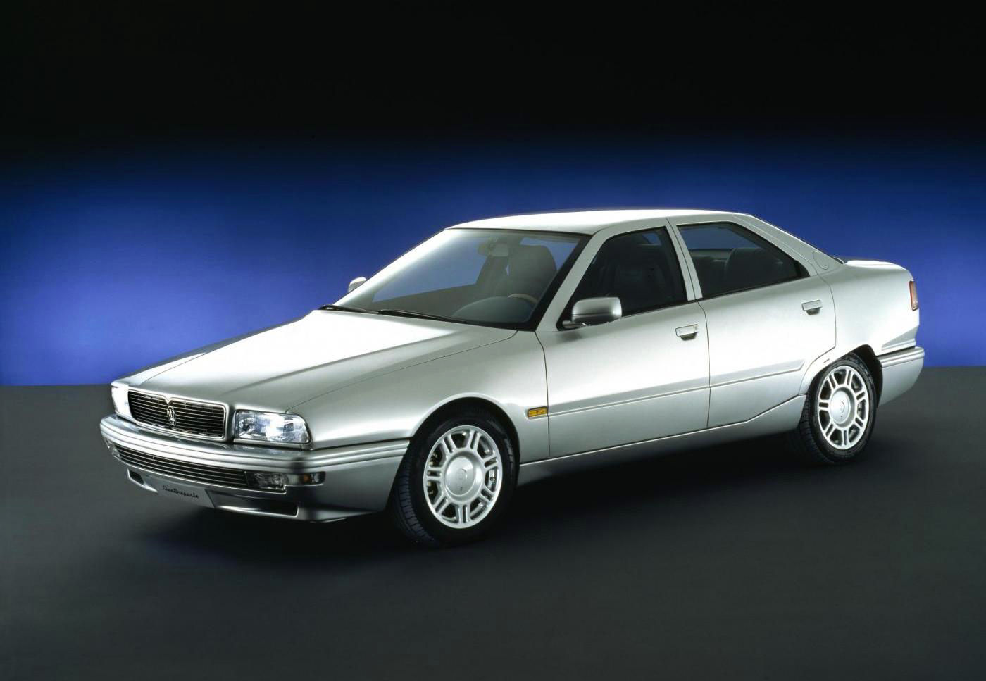 1994 Maserati Quattroporte IV - exterior view of the 5-seater sedan in silver