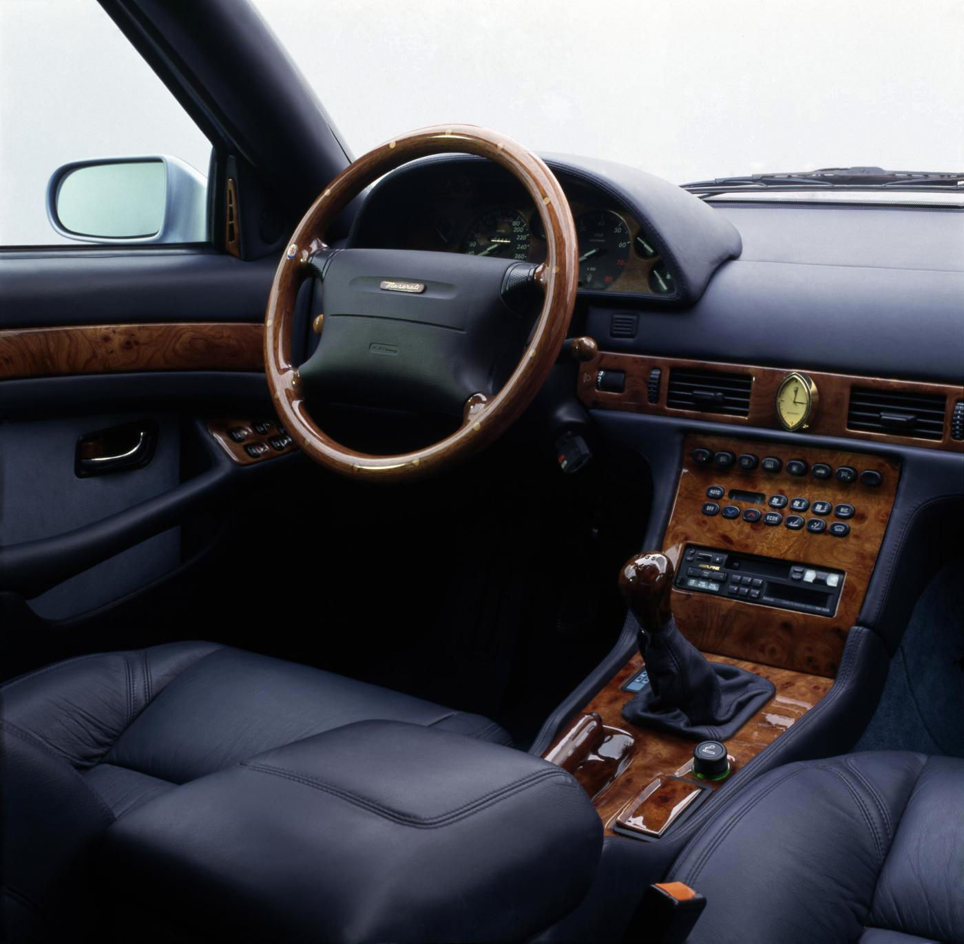 1994 Maserati Quattroporte IV - interior view of the 5-seater sedan
