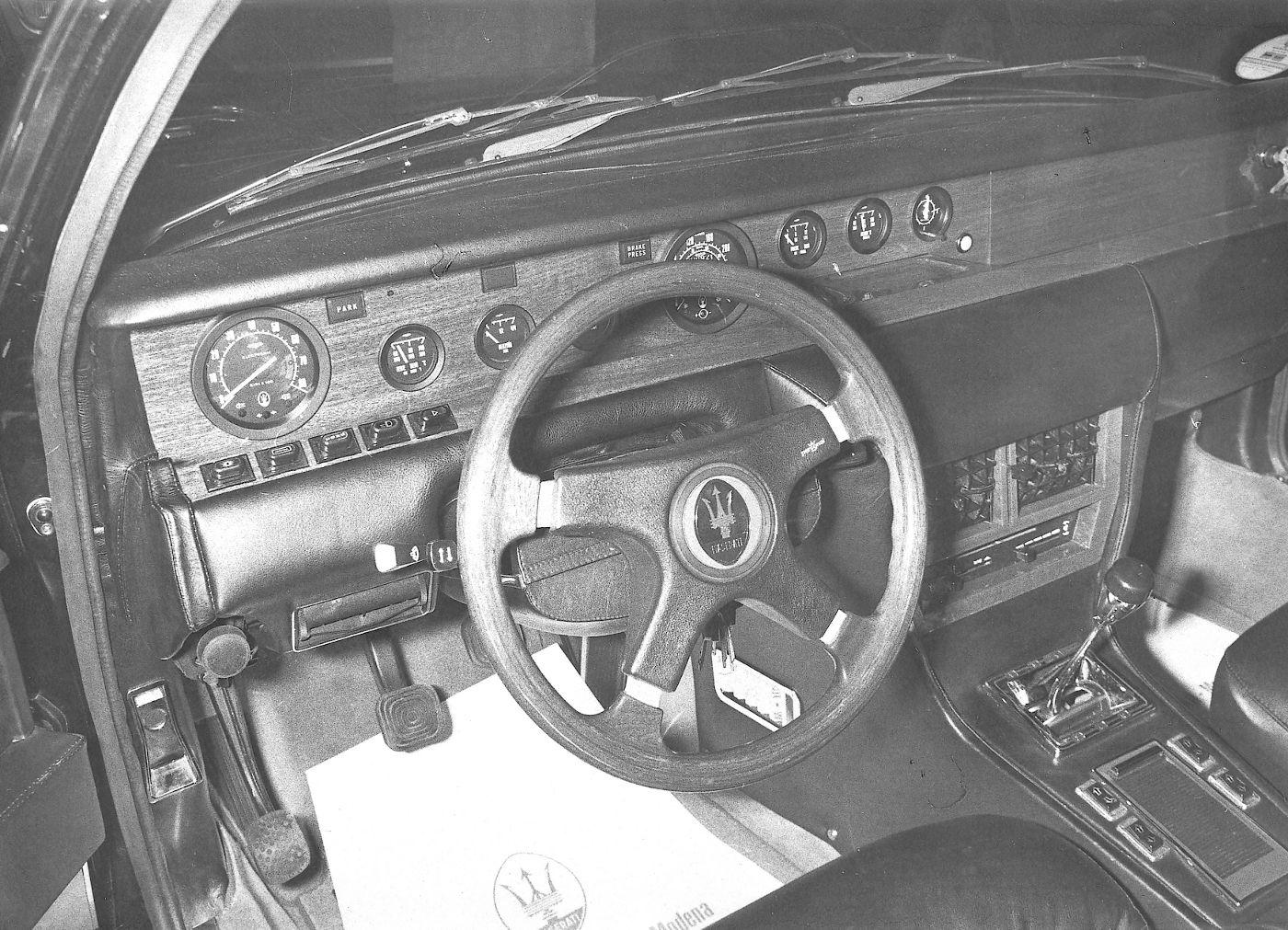 1974 Maserati Quattroporte II - interior view of the classic sedan