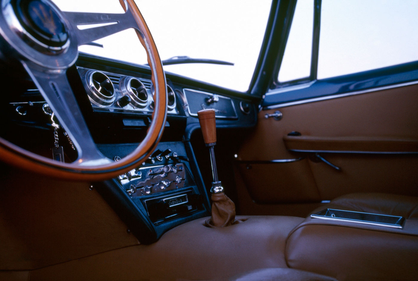 1966 Maserati Quattroporte I - Second Series - interior view of the 5-seater sedan