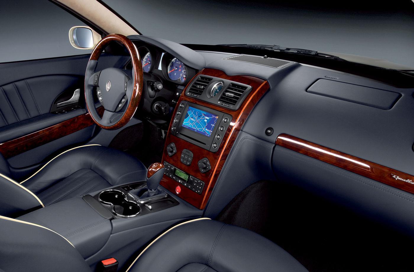 2006 Maserati Quattroporte V Automatica - interior details of the Pininfarina-designed sedan