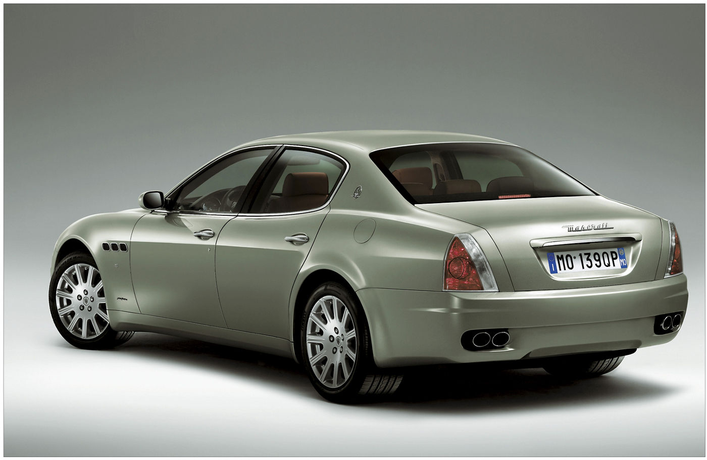 2003 Maserati Quattroporte V Duoselect - rear view of the 5-seater sedan by Pininfarina