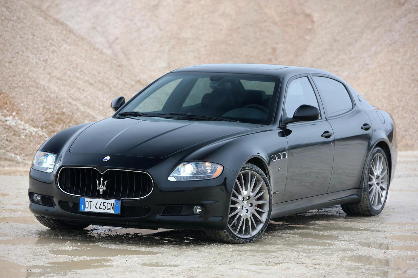 2008 Maserati Quattroporte V Restyling - 4-door sedan exterior overview