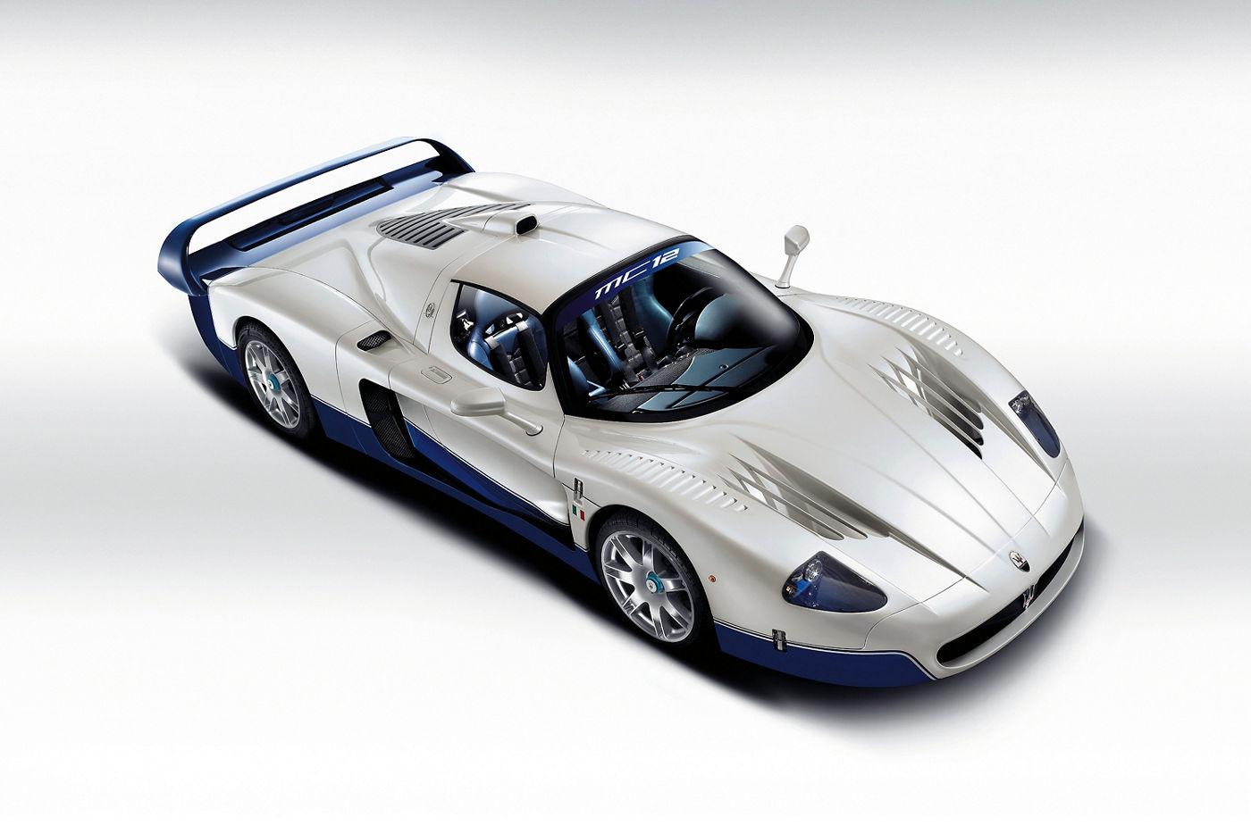 Maserati Classic - MC12 - carrosserie blanche - vue latérale